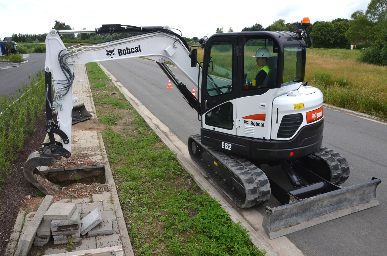Bobcat E62 - Adare Machinery